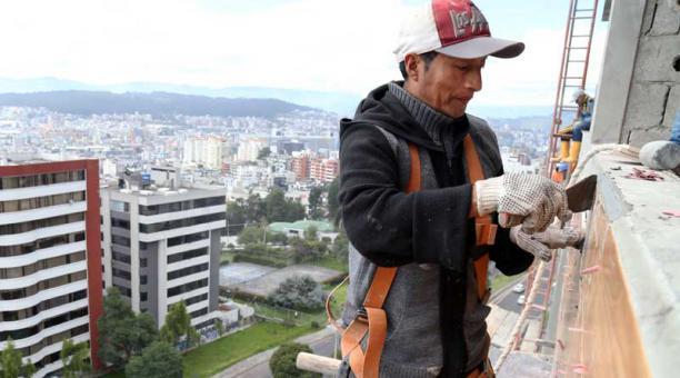 LA CONSTRUCCIÓN EN QUITO CON SÍNTOMAS DE ESTANCAMIENTO